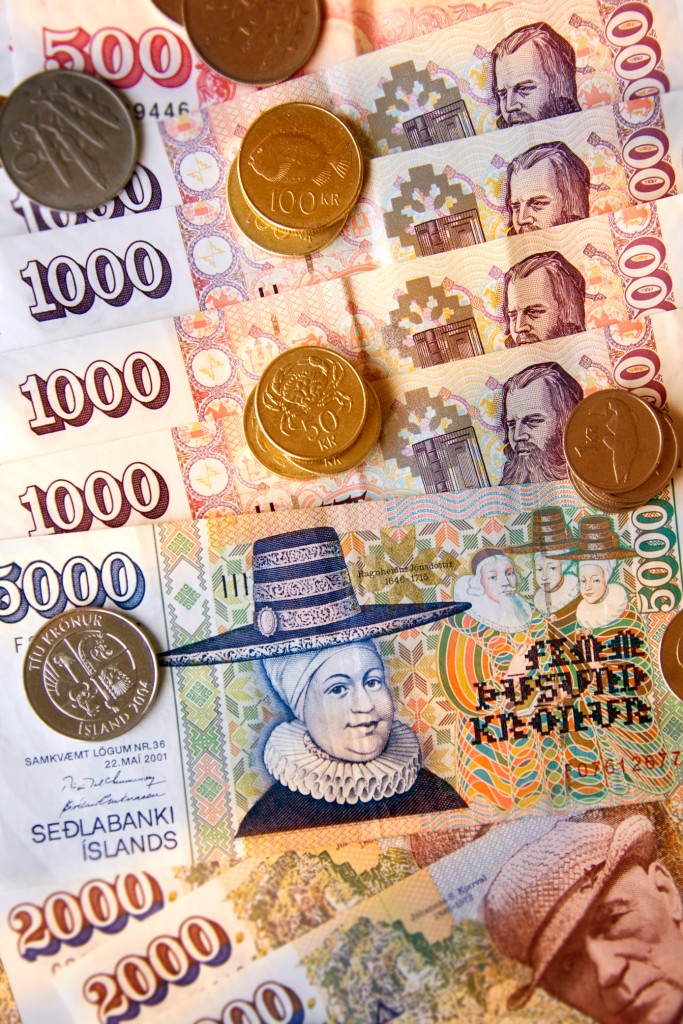 A picture of Icelandic money
